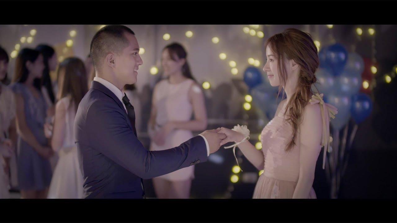 二珂 Chloe Er - 櫻花粉的浪漫 Official Music Video HD