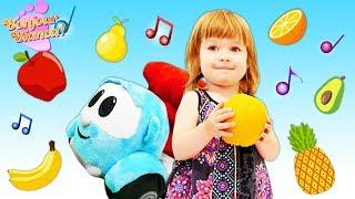 Vidéo en français pour enfants. Bianca aide Léo le camion à guérir. Chanson des fruits