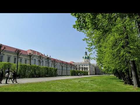 """Schloss Charlottenburg Mit Park In Berlin""--- Wolfgang Schmökel"