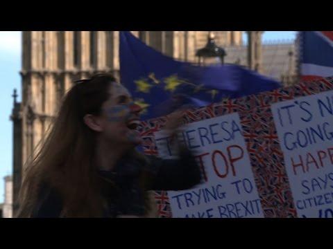 Milhares protestam contra o Brexit em Londres