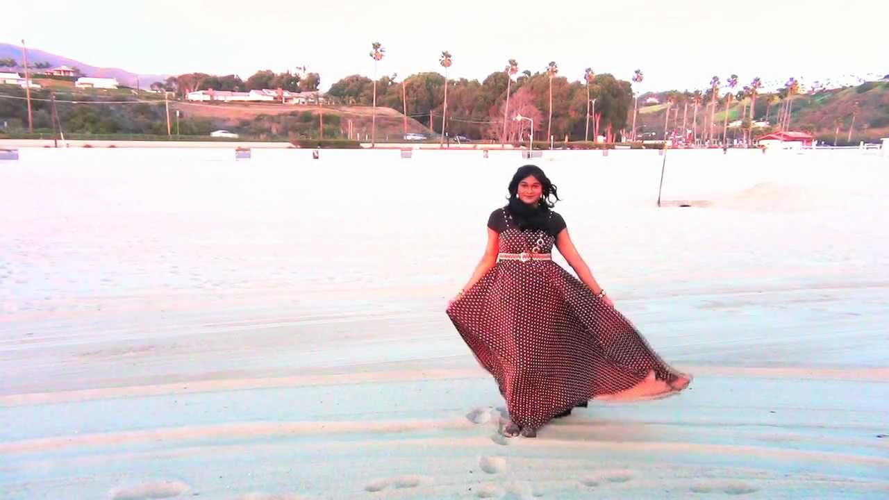 MAXI DRESS on a WINDY DAY ???? - YouTube