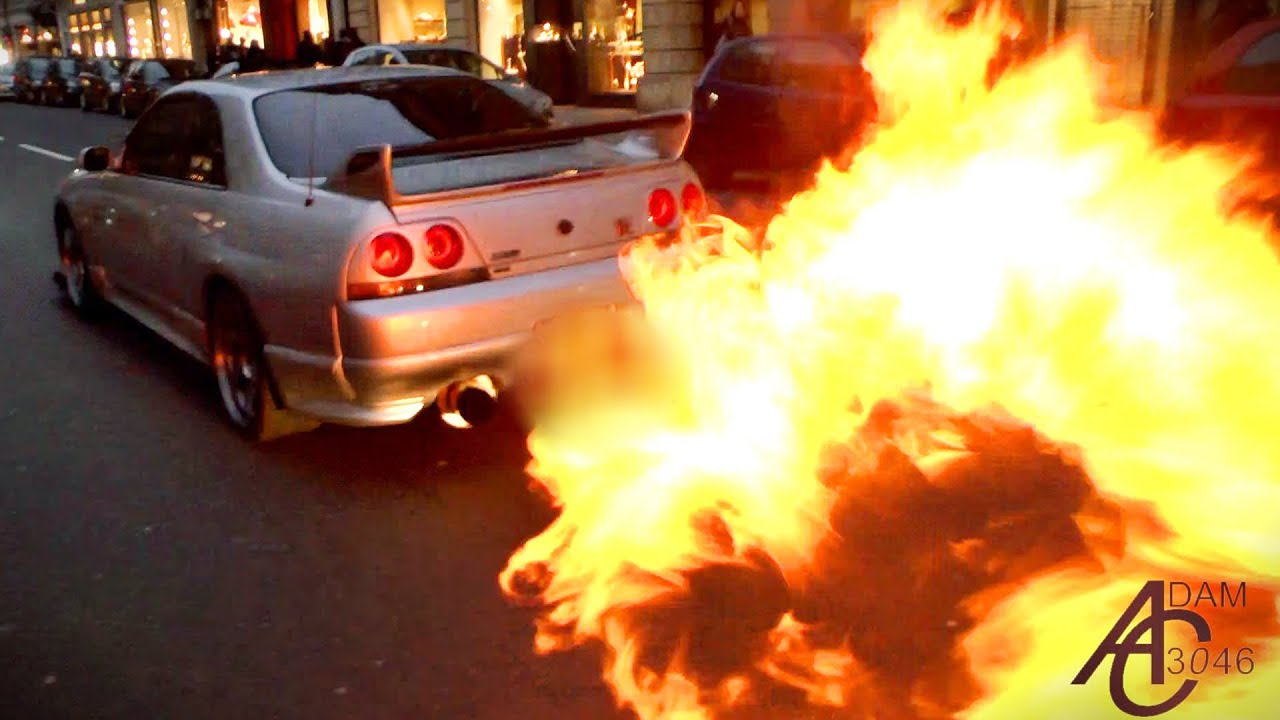 Nissan Skyline - HUGE FLAMES + Police let him off! - YouTube