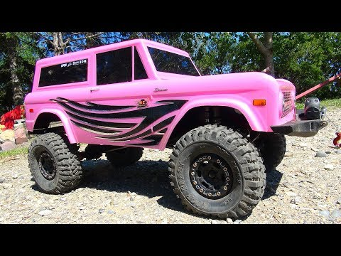 """RC ADVENTURES - """"CANDY""""! JEM Unveils Her Axial SCX10 II 4x4 PiNK FORD BRONCO"""