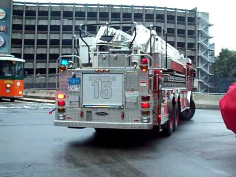 Boston Fire Ladder 15 And Engine 33 Responding Youtube