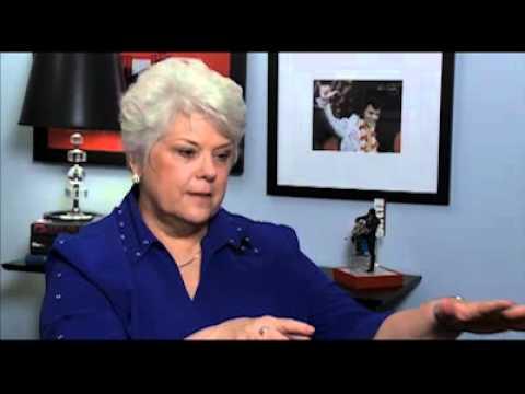 Mindy Campbell 'Aloha' flight attendant remembers Elvis 1973