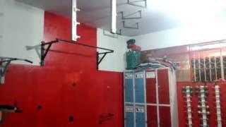Viral Video UK: Hang bar fail