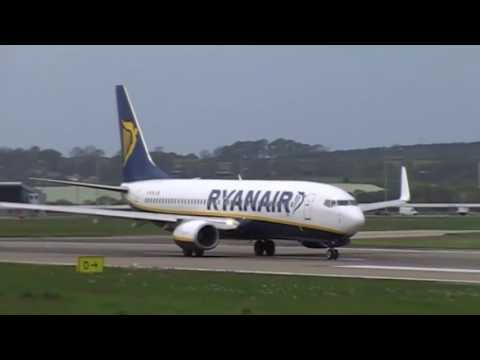 Plane Spotting At Leeds Bradford Planes Landing And Takeing Off On Runway 32 On The 03/05/