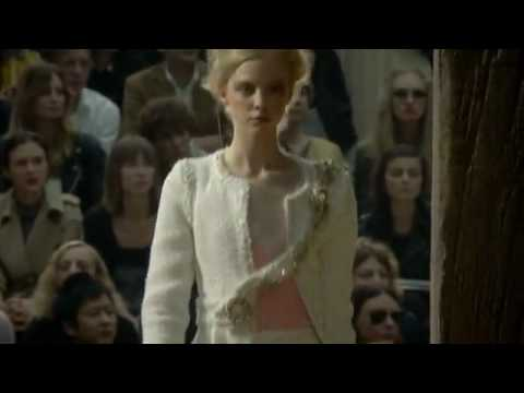 www.thoitrangthammy.com Chanel - Spring Summer 2010 Full Fashion Show Part 1 - High Quality (1).flv