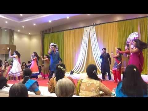 Dancing at Riddhi's Sangeet - Angreji Beat Yo Yo Honey Singh