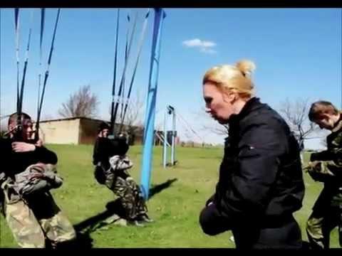 Как приземляться с парашютом