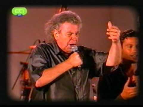 Mikis Theodorakis - Ligo akoma (live)