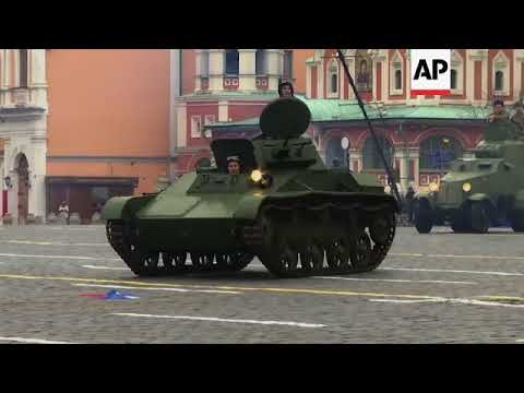 Russians mark 1941 Red Square parade on centenary of 1917 revolution