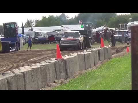 5800 Andy Hastings Truck Pull 2015