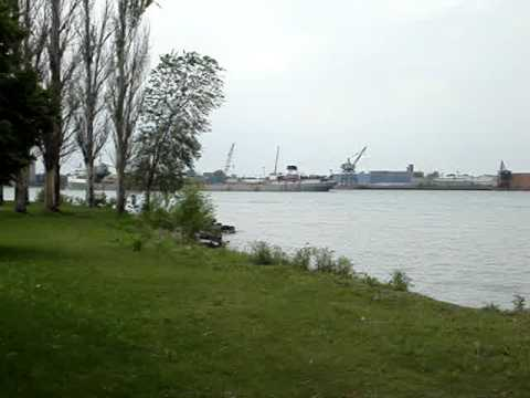 Lake freighter Maumee