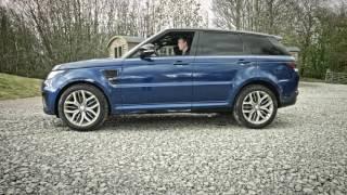 Динамічний Range Rover Sport SVR під час онлайн тест-драйву