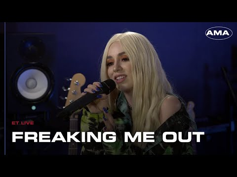 Download Lagu  Ava Max - Freaking Me Out Acoustic at ET Live Mp3 Free