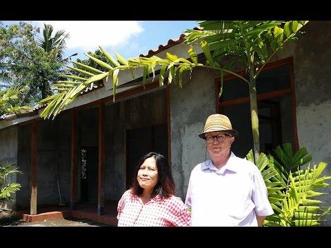 Max Lane talks progressive research library in Indonesia (Café Pacific)
