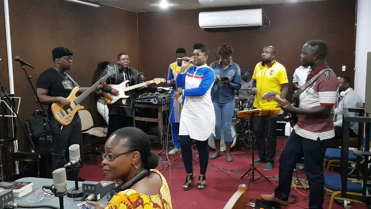 Download Sandrine N - Osi Dimbea, Live Crtv radio (Poste National)