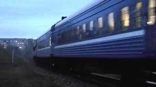 Пассажирский тепловоз ТЭП70-0370 и ТЭП70БС-107 с фирменным поездом №39