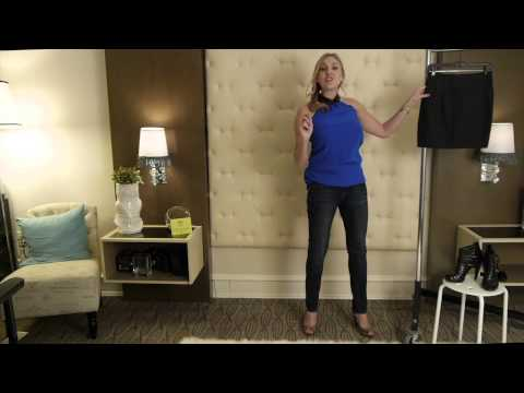 What Do You Match With an Electric-Blue Blouse? : Style Advice for Women
