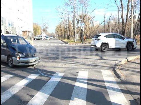 Школьница пострадала при столкновении «Ипсума» и «Лексуса» в Хабаровске. Mestoprotv