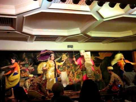 Filipino Cultural Dance show in Manila, Philippines.