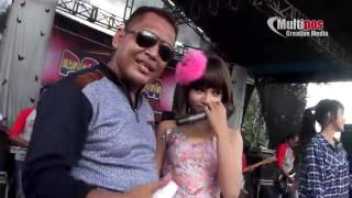 Video Dinding Kaca Tasya & garry New Pallapa download MP3, 3GP, MP4, WEBM, AVI, FLV Oktober 2017