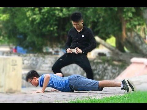 NTN - Trò Đùa Chổng Mông Chụp Ảnh - Harry Prank