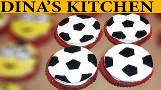 How To Make FOOTBALL BALL FONDANT CUPCAKES!