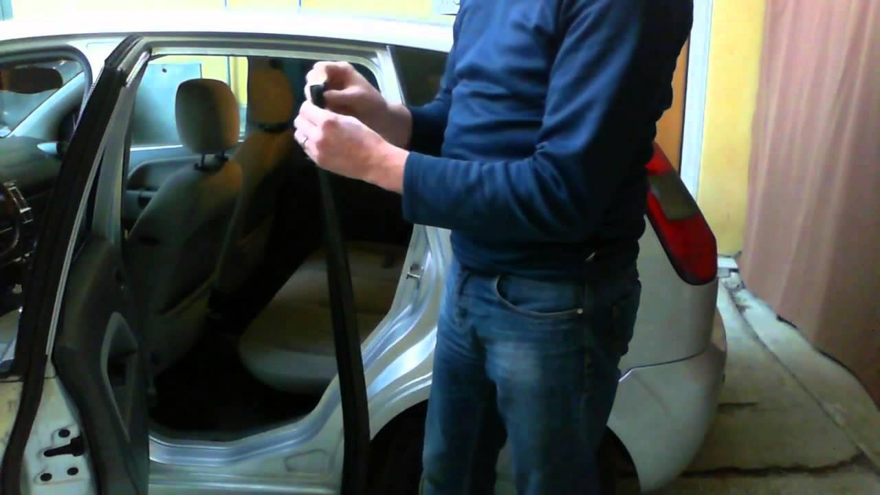 Come cambiare la guarnizione profilo porta auto fai da for Spranga per porta fai da te