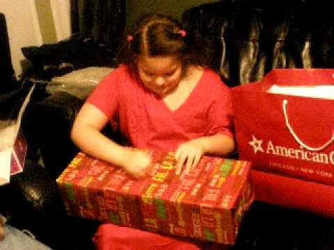 AMERICAN GIRL DOLL CHRISTMAS 2009 SURPRISE girl screaming  MUST SEE!!