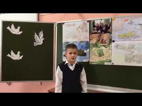 Изображение предпросмотра прочтения – ЕгорБогомолов читает произведение «Братские могилы» В.С.Высоцкого