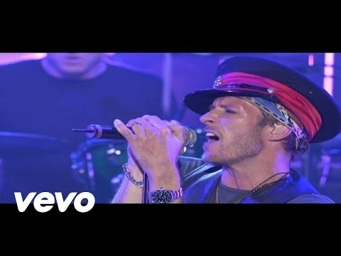 Velvet Revolver - Fall To PiecesFall To Pieces (Nissan Live)