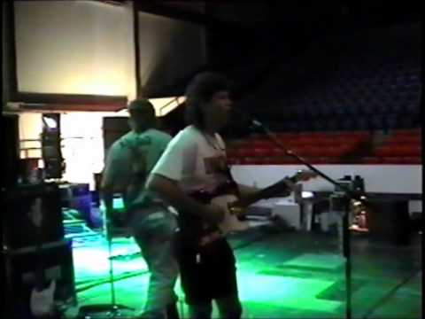 Scott Hoyt Sound Check - Opening A Show for Clay Walker - El Paso, TX 1-24-97