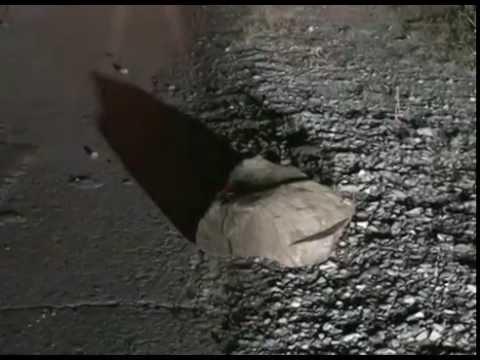 """Из-за булыжников на трассе """"Фокино-Дунай"""" пострадало несколько автомобилей"""