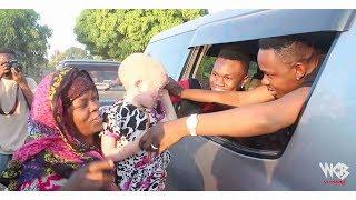 Akiwa safarini kuelekea Masasi kwenye show ya Eid Mosi, Mbosso asim...