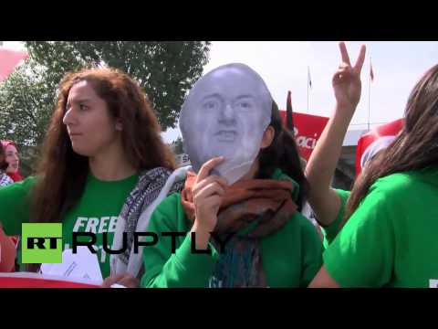 """Switzerland: """"We want a motion, Israel expulsion"""" sing FIFA protesters"""