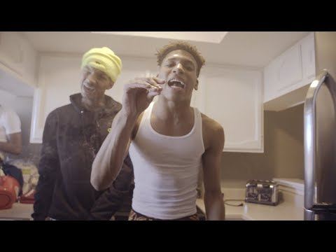 Stunna 4 Vegas Feat. NLE Choppa- 100 or Betta (Official Music Video)