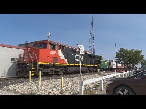 The 2017 Canadian National Family Day Train! + CN Freight with 3 Dash 8`s ! (9/9/17)