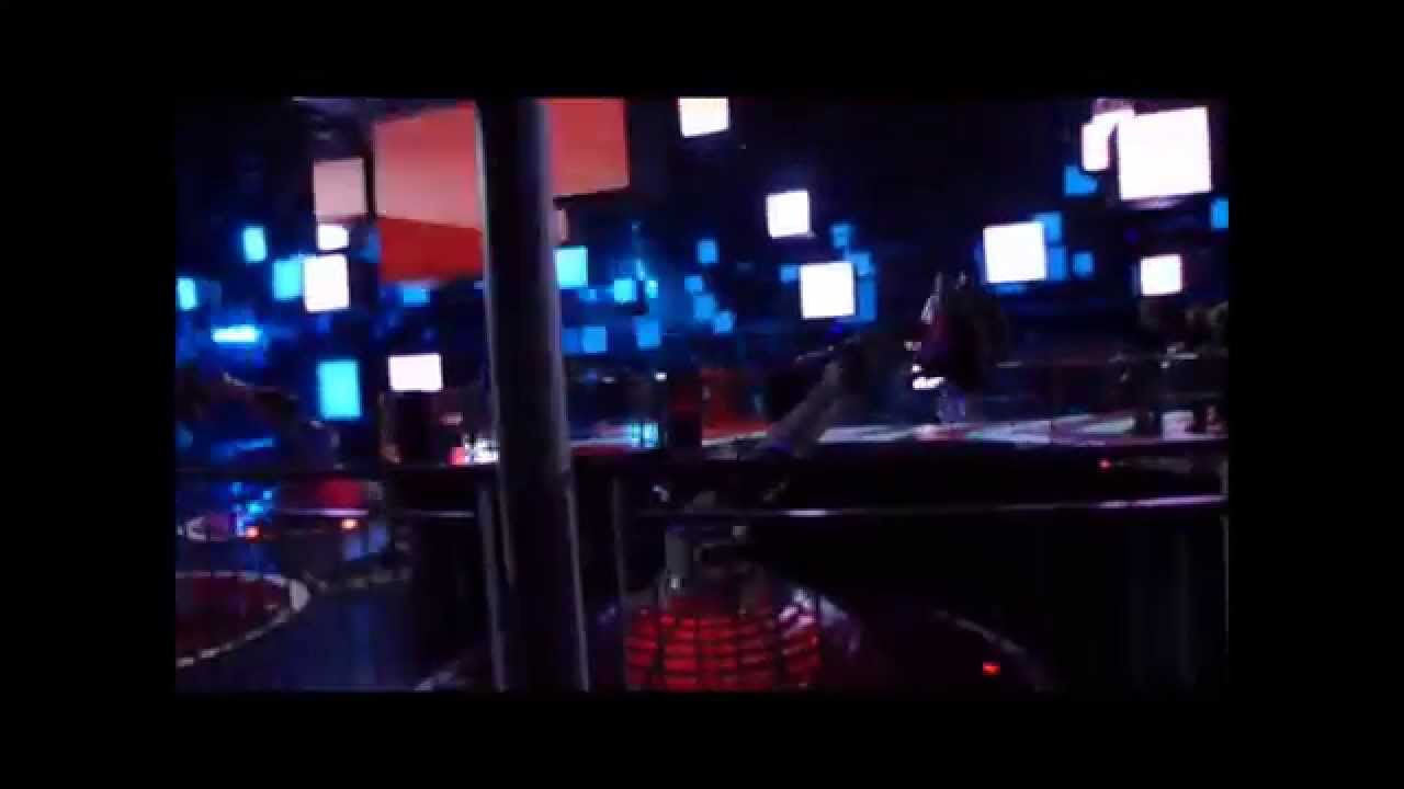 attraction danse avec les robots futuroscope 2013 youtube. Black Bedroom Furniture Sets. Home Design Ideas