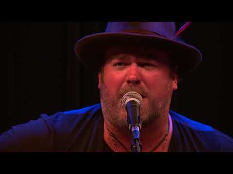 Lee Brice  Boy 987 THE BULL