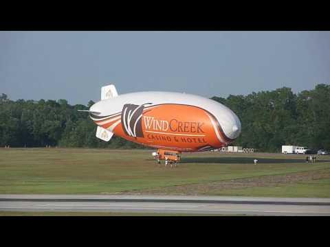 Blimp / Airship Landing in Pensacola