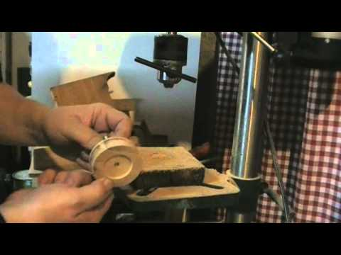 Comment faire des roues de voitures pour jouet en bois - Comment fabriquer un coffre a jouet en bois ...