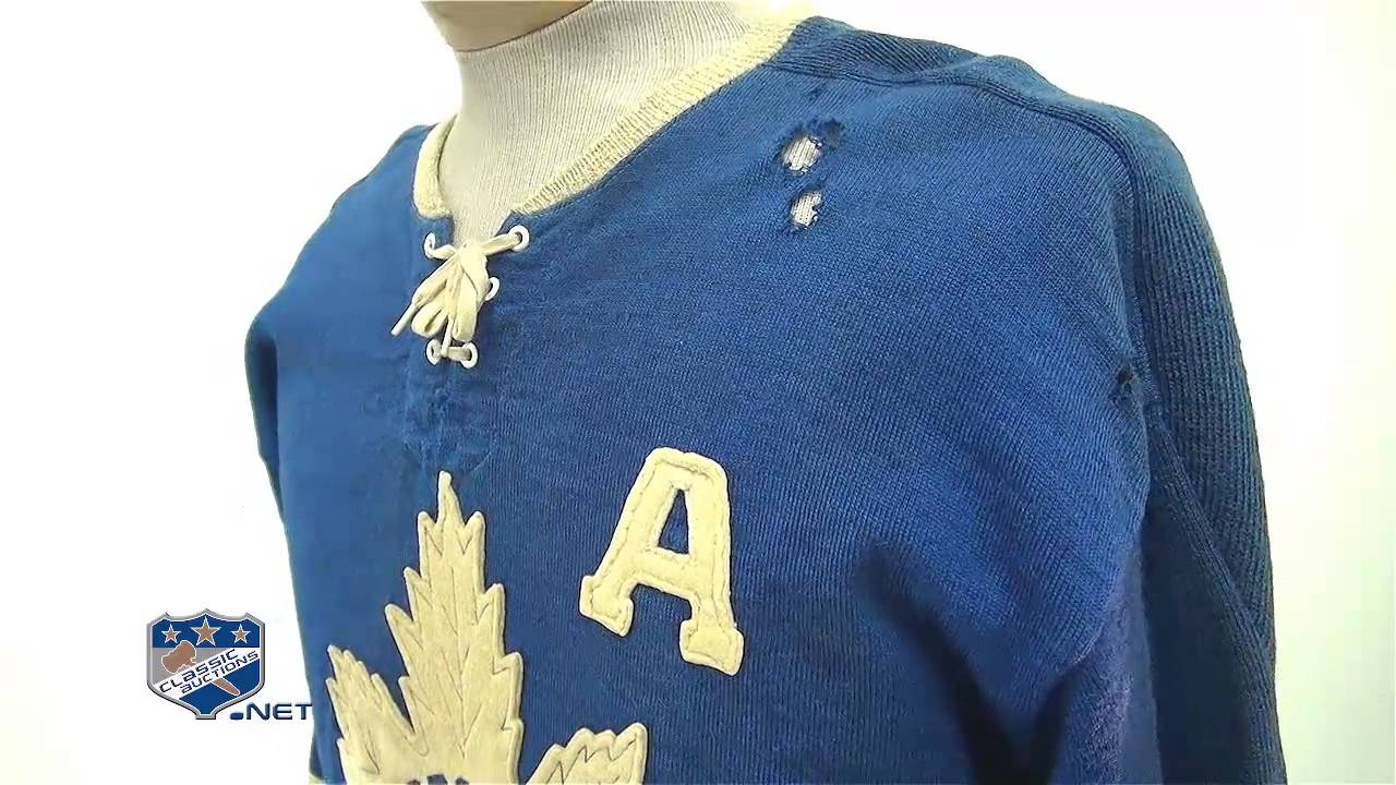 competitive price 7f8a6 b44c9 Bert Omstead's 1959-60 Toronto Maple Leafs Game-Worn Alternate Captain's  Wool Jersey