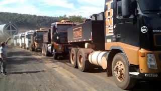 TRANSPORTE DE UM TUBO DE 500 TONELADA EM FOZ DO IGUAÇU PARANA BRASIL