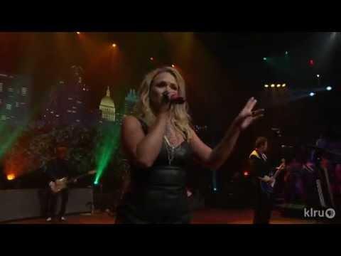 Miranda Lambert - Gunpowder & Lead[Live]