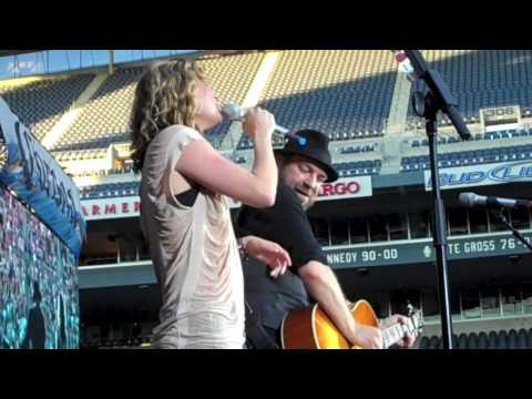 Sugarland - All I Want To Do Seattle HD Live