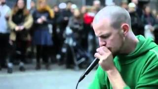 What a Beatboxing-- This guy is amazing :)