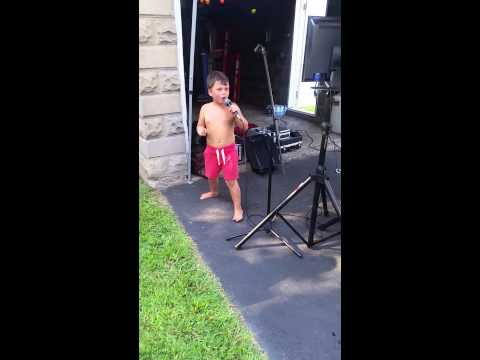Funny kid sings Jason Aldean Dirt Road Anthem