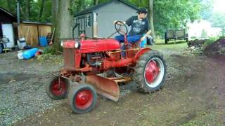 Repeat youtube video Farmall Cub
